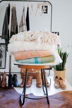 Thursday Tip-Off: Organizing Your Closet - Urban Outfitters - Blog