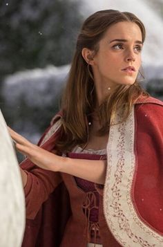 New stills of Emma Watson as 'Belle' in Disney's Beauty and the Beast - Schönheit Ideen Hermione Granger, British Actresses, Actors & Actresses, Ema Watson, My Emma, Dan Stevens, Princesa Disney, Disney Beauty And The Beast, Emma Watson Beauty And The Beast