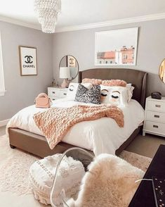 Modern teen room ideas stylish and trendy.You can find Teen bedroom designs and more on our Modern teen room ideas stylish and trendy. Teenage Girl Bedroom Decor, Teen Bedroom Designs, Modern Bedroom Decor, Small Room Bedroom, Scandinavian Bedroom, Master Bedroom, Design Bedroom, Contemporary Bedroom, Teen Decor