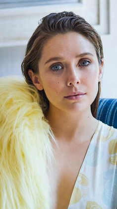Elizabeth Chase Olsen, Elizabeth Olsen Scarlet Witch, Beautiful Celebrities, Beautiful Actresses, Beautiful Women, Godzilla, Olsen Sister, Anastasia, Mary Kate Ashley