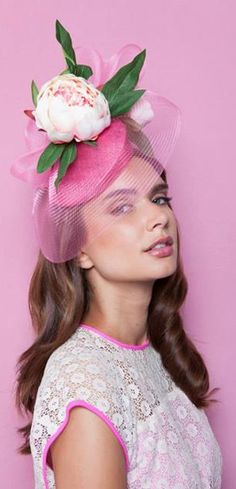Peony by Gina Foster Millinery Hats, Fascinator Hats, Fascinators, Derby Outfits, Occasion Hats, Hat Blocks, Bridal Hat, Look Vintage, Vintage Hats