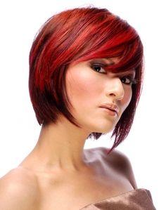 coloration de diffrentes teintes de rouge avec coupe en dgrad asymtrique pour femme - Coloration Wella Color Touch