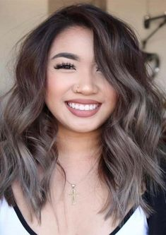 20 Balayage Brown bis Blonde Lange Frisuren 20 Balayage Brown to Blonde Long Hairstyles, Are you familiar with Balayage Brown to Blonde Long Hairstyles? Balayage is a French word which means to sweep or paint. It is a sun kissed natural lo…, Balayage - Un Hair Color And Cut, Ombre Hair Color, Hair Color Balayage, Cool Hair Color, Brown Hair Colors, Hair Highlights, White Highlights, Hair Colour, Ash Brown Hair Balayage