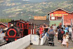 Nabo til Lilleputthammer og lekeland Lillehammer, Visit Norway, Roller Coaster, Playground, Paths, Beautiful Places, Castle, Street View, Adventure
