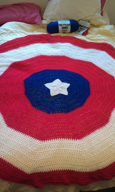 Free Crochet Pattern For Captain America Blanket : 1000+ images about CAPTAIN AMERICA & BATMAN on Pinterest ...