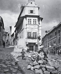 Bratislava Slovakia, Frozen In Time, Country, Architecture, Places, Postcards, Beautiful, Retro, Arquitetura