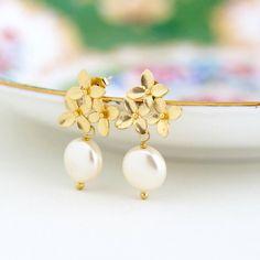 Pearl Wedding Earrings - Gold Pearl Earrings - Ivory Pearl - Gold Earrings - Bridal Earrings - Wedding Jewelry - Gold Flower Earrings