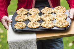 Tolles Rezept für Apfel Muffins mit Nussstreuseln. Geht schnell, einfach und schmeckt sehr lecker. Unbedingt ausprobieren!