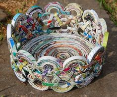 Recycled paper art is a new trend nowadays. Recycled paper art ideas here. Recycled Magazine Crafts, Recycled Paper Crafts, Recycled Magazines, Recycled Crafts, Recycled Jewelry, Recycle Newspaper, Newspaper Basket, Newspaper Crafts, Magazine Bowl