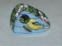 Gold Finch Birdhouse
