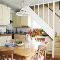 Step inside this traditional cottage house tour. Reader's homes and essential decorating inspiration from Ideal Home. Ideas for country style homes and cosy country cottage-style living. Small Kitchen Diner, Kitchen Under Stairs, Stairs In Living Room, Cottage Kitchen, Country Kitchen, Kitchen Diner, Stairs In Kitchen, Tiny Kitchen, Kitchen Design