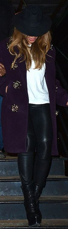 Who made Beyonce Knowles' purple coat and black boots? Shoes – Alaia Coat – Jerome