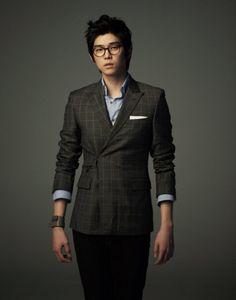 Yoon Kyun Sang   Yoon Gyun Sang   윤균상   D.O.B 31/3/1987 (Aries) Kyun Sang, Japanese Boy, Korean Drama, Aries, Dramas, Singing, Celebs, Passion, Movie