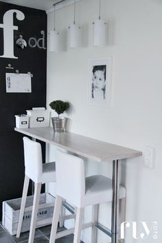 For small spaces.... this little eating area is perfect!