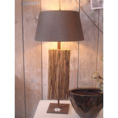 Lamp hout