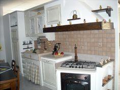 cucina in muratura e finta muratura artigianale con lavello in ... - Mattonelle 10x10 Cucina In Muratura