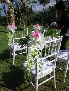 White Tiffany chairs   Lynley Events Bali   www.lynley.net