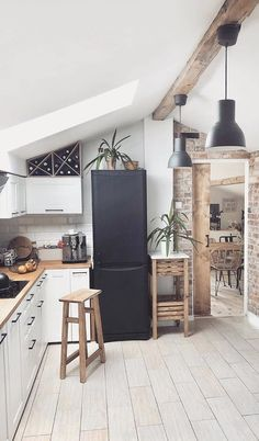 Kitchen Inspiration // Paulina The Perfect Scandinavian Style Home Scandinavian Style Home, Scandinavian Kitchen, Scandinavian Interior, Home Interior, Interior Design, Apartment Design, Apartment Therapy, Bedroom Vintage, Decoration Table