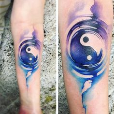 10 Tattoos that are too common but may look different . Ying Yang Tatuaje, Jing Y Jang, Body Art Tattoos, Sleeve Tattoos, Cool Tattoo Drawings, Mens Arrow Tattoo, Yin Yang Art, Bestie Tattoo, Yin Yang Tattoos