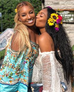 Eva Marcille Shares Gorgeous Photos From Her 'Flower Shower' While Hinting At Baby Number Name Baby Shower Supplies, Baby Shower Themes, Baby Shower Decorations, Celebrity Baby Showers, Celebrity Babies, Flower Shower, Floral Baby Shower, Wavy Pixie Cut, Eva Marcille