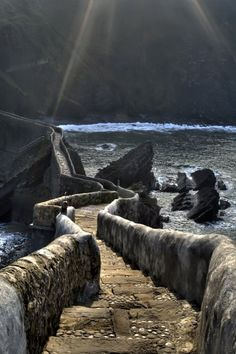 The path to San Juan de Gaztelugatxe, Basque County, Spain (by bernargg)