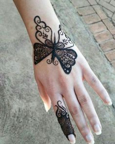 Mehndi Design Offline is an app which will give you more than 300 mehndi designs. - Mehndi Designs and Styles - Henna Designs Hand Henna Hand Designs, Eid Mehndi Designs, Henna Tattoo Designs, Mehndi Tattoo, Mehndi Designs Finger, Simple Arabic Mehndi Designs, Legs Mehndi Design, Mehndi Designs For Girls, Mehndi Designs For Beginners