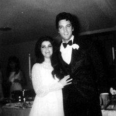 In may 29 1967 Elvis and Priscilla doing a second wedding ceremony in L-A only for familly and friends