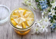 レモン酢の作り方2パターン。効果・飲み方・料理に使う方法も紹介。 | やまでら くみこ のレシピ Lemon Vinegar Recipe, Acv And Honey, Healthy Snacks, Healthy Recipes, I Foods, Clean Eating, Spices, Health Fitness, Cooking Recipes