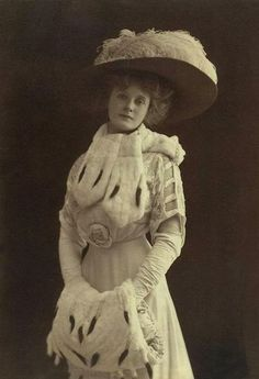 Billie Burke - C. 1910s  wife of impresario Florenz Ziegfeld, had a long stage career. She is most famous for being Glinda the Good Witch of the North in the The Wizard of Oz. edwardian vintag, fashion, vintage birthday, vintag photograph, actress, wizard of oz, billi burk, billie burke, hat