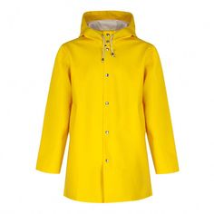 Paying homage to his grandfather and his old raincoat, Alexander Stutterheim reimagined this classic design with contemporary flair and a modern silhouette fit for metropolitan wearers. Based in Stockholm, Stutterheim handcrafts raincoats of the highest q Raincoat Jacket, Yellow Raincoat, Hooded Raincoat, Rain Jacket, Raincoats For Women, Jackets For Women, Women's Jackets, Country Attire, Types Of Jackets
