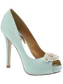 something blue. Schoenen in een kleur mogen absoluut!