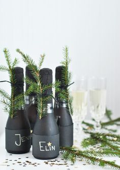 Champagne gifts and gift sets that fit your budget and occasion. Deliver a lasting impression with an elegant champagne gift basket delivery. New Years Eve 2017, New Years Eve Dinner, New Years Eve Party, Green Christmas, Christmas Time, Xmas, Christmas Table Settings, Holiday Tables, New Years Decorations