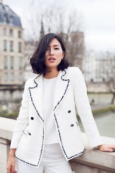 There are 6 tips to buy gary pepper vintage, jacket, pants, shoes, jewels. White Fashion, Paris Fashion, Fashion 2014, Fashion Ideas, Asian Suits, Gary Pepper Girl, Nicole Warne, Ch Carolina Herrera, Vintage Pants
