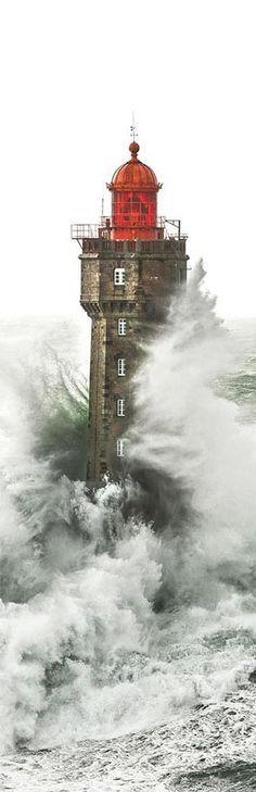 Photo #Lighthouse - sur toile Le #phare de la Jument Philip Plisson http://www.roanokemyhomesweethome.com/