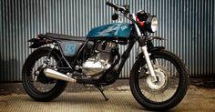 Gak banyak varian Kawasaki Estrella yang dimodifikasi sampai potong sasis. Maklum, dari tampilan standarnya saja sudah ciamik de...