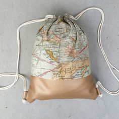 Turnbeutel - MONDBEUTEL Turnbeutel mit Landkarten Motiv - ein Designerstück von mond-eule bei DaWanda