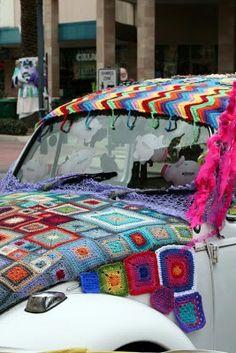 Wow yarn bombed vw!