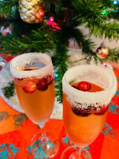 Frosted Cranberry Spritzer. #recipes #healthyrecipes #christmasrecipe #holidayrecipe