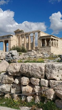 See 5176 photos and 443 tips from 41708 visitors to Ακρόπολη Αθηνών (Acropolis of Athens). Ancient Ruins, Ancient Greece, Ancient History, Athens Acropolis, Parthenon, Visit Greece, Travel News, Travelogue, Ancient Civilizations