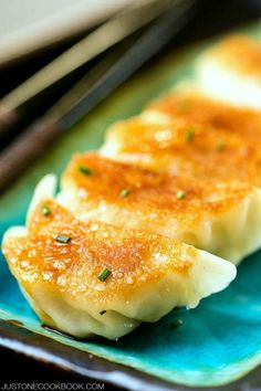 Gyoza 餃子(ぎょうざ) | Easy Japanese Recipes at JustOneCookbook.com