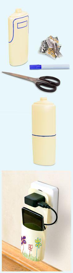 Basteln für's Upcycling:  Kein Kabelsalat mehr, keine Stolperfalle, kein Wohin-damit! Mit dieser praktischen Handytankstelle aus einer Shampooflasche kann man ein Handy oder Smartphone beim Laden direkt an der Steckdose aufbewahren.  Die Anleitung gibt es auch in der aktuellen Ausgabe der ALDI inspiriert auf S. 59 (http://catalog.aldi.com/emag/de_DE/print/ALDI_inspiriert_0616_2/).