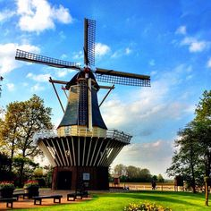 Dutch #windmill #keukenhof #holland #ubiquography #igersholland #jj_forum #flower #tulipfieldsexperience - @alanisko- #webstagram