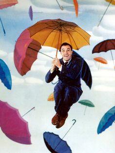 Singin in the Rain - Gene Kelly  #umbrellas