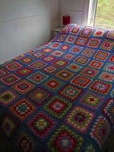 Patchwork Bedspreads, Crochet Bedspread, Crochet Ideas, Crochet Patterns, Manta Crochet, Granny Square Crochet Pattern, Bed Spreads, King Size, Blankets