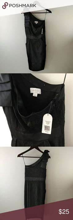 """NWT Jessica Simspon Holiday LBD Size 6. Color Black. One Shoulder with bow accent. Style JS0X2156. Has front pockets. Midi style. Perfect for New Years!  Measures: 37"""" Height. 16"""" Armpit to armpit. Jessica Simpson Dresses One Shoulder"""
