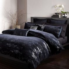 Glam Bedding, Black Bedroom Decor, Black Bedding, Bed Decor, Luxurious Bedrooms, Dark Bedding, Bedding Master Bedroom, Luxury Bedding, Luxury Duvet Covers