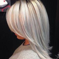 ☻if i cut my hair iooove this Blonde Hair Shades, Bleach Blonde Hair, Blonde Hair Looks, Platinum Blonde Hair, Medium Hair Cuts, Medium Hair Styles, Short Hair Styles, Hair Color And Cut, Cut My Hair