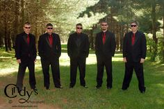 Groomsmen at Pine Lodge in Washington CH, Ohio - Are you or someone you know getting marriedin Ohio, check out Cindy's Photography for an experienced and affordable wedding photographer