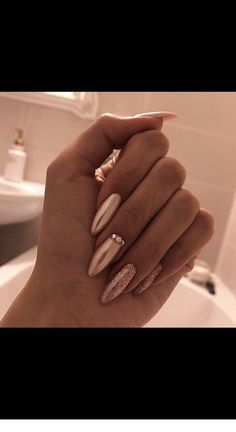 Long acrylic golden nails with glitter | Inspiring Ladies Coffin Nails, Acrylic Nails, Stiletto Nails, Nude Nails, Glitter Nails, Short Nails, Long Nails, Dream Nails, Wedding Nails