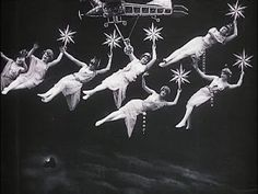 George Méliès has a really interesting way of depicting women as constellations and extraterrestrial beings in his films. conquest of the Pole / La conquète du pole (Georges Méliès, Vintage Photographs, Vintage Photos, Vintage Dior, Vintage Vogue, Paper Moon, Arte Horror, Foto Art, Silent Film, Film Stills